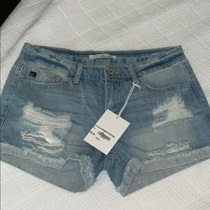 New with tags women's KanCan distressed shorts